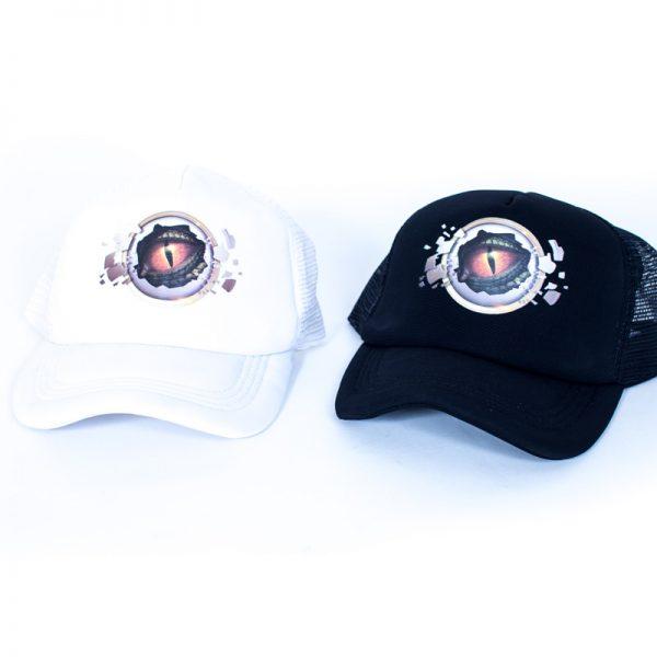 כובעים ממותגים במגוון צבעים